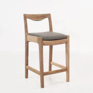 Дизайнерский барный стул №3 из массива